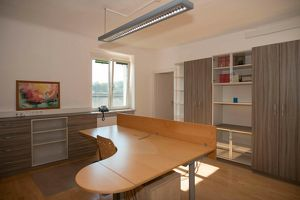 Gut ausgestattetes Büro unbefristet zu mieten, schöne Badener Lage
