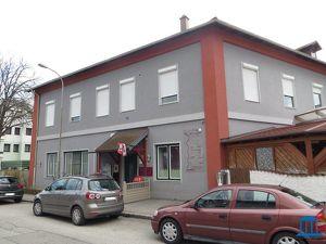 Ehemaliges Gasthof in Neufeld mit Gästezimmer