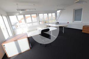 8071 Hausmannstätten: Modernes Penthouse-Büro mit zwei Dachterrassen!