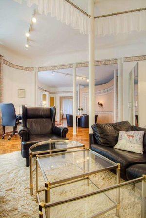 Vollmöbliertes Apartment (3 Zimmer, 1 Schlafzimmer!) mit Innenhof
