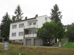 5-Zimmer-Wohnung in 2-Familien-Haus