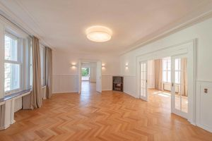 repräsentative Palaiswohnung (Palais Lemberger) in Grinzinger Bestlage! Erstbezug nach Generalsanierung!