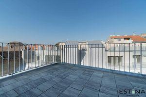 Neuwertige Wohnung mit zwei Terrassen in Ruhelage