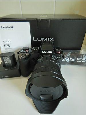 Pansonic Lumix S5 + Set mit 20-60 Objektiv
