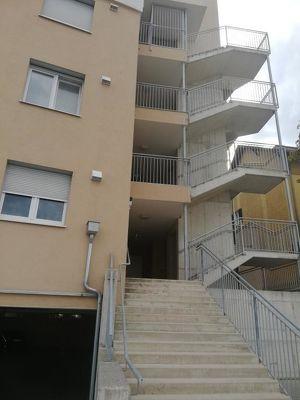 Neuwertige, barrierefreie 2 Zimmerwohnung mit 37m² Terrasse und Garagenplatz!