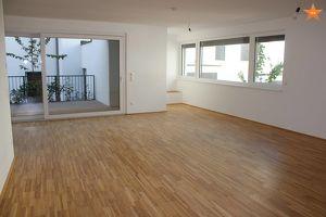 YES - Traumhaftes und günstiges Atelier/Loft/Büro/Praxis mit großem Stau/Lagerraum!