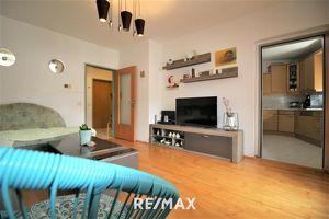 PROVISIONSFREI! Sonnige 3-Zimmer Wohnung mit Loggia und Tiefgaragenstellplatz!