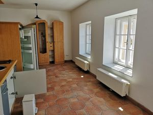 -Ruhige Kleinwohnung mit gemeinsamer Terrasse