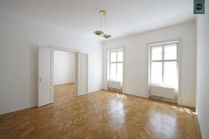 Teilsanierter Bürotraum in wunderschönem Haus in bester Innenstadtlage bei der Votivkirche! Klimatisiert!