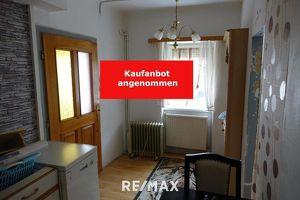 140 m² Wohnfläche mit Nebengebäude und Innenhof - sanierungsbedürftig!