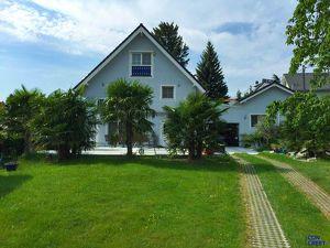 Tolles Einfamilienhaus mit Palmen, Garten und eigenem Pool!!!