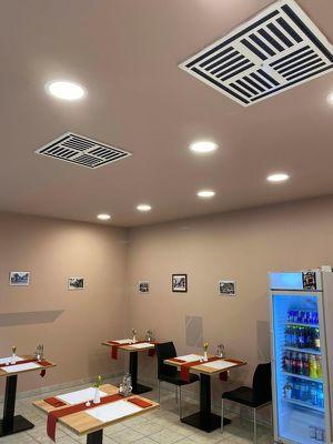 Imbisslokal für Burger, Grillspeisen, Salate etc. in der Solar City, ideal für Abholung und Zustellung!