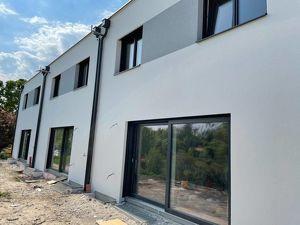 HAUS 2 Reihenhausanlage mit 3 Wohneinheiten zu Haben fast im Zentrum LAXENBURG.... in Juni EINZIEHEN Gutscein für Küche von 3.000€.......