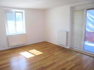 Perfektes Zuhause für Sie und Ihre Familie! Sonnige 3-Raum-Wohnung in ruhiger und zentrumsnaher Lage mit hohem Wohlfühlpotential! Provisionsfrei!