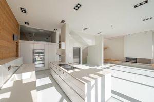luxuriöse Familienwohnung mit perfekter Ausstattung und Grünterrassen samt Fernblick!
