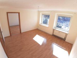 Günstige und sonnige 3 Zimmer Wohnung in Eisenerz! PROVISIONSFREI!