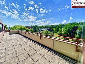Penthouse Büro mit 360 Grad Dachterrasse und Fernblick -Deckenkühlung- Barrierefrei- Garagenplatz im Haus- Vergrößerung möglich- Gute Anbindung!