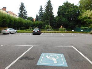 Großes Geschäft im Zentrum von Graz mit Parkplätzen