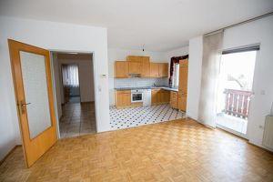 Praktische Mietwohnung mit Küche und Balkon nähe MAN!