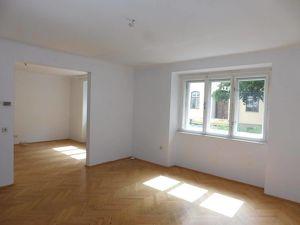Zentrale 3-Zimmer-Wohnung mit Balkon