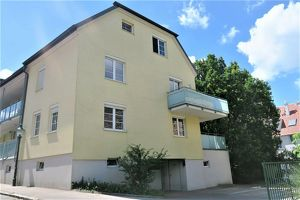Wohnen an der Donaulände! Hochwertige Terrassenwohnung, Blick auf die Donau, Garage, Weinkeller uvm!