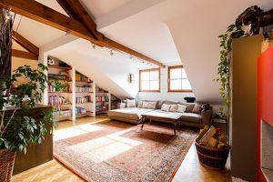 """Ganz oben! Elegante 4-Zimmer Dachgeschosswohnung in Ceconi Villa """"Schmuckstück im Herzen von Salzburg, im hippen Andräviertel"""""""