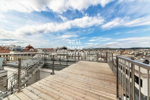 Ein wunderschönes Dachgeschossmaisonett mit 2 Terrassen/ 1090 Vienna VIDEO-Alsergrund