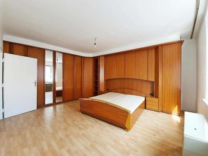 ERSTBEZUG! Gepflegte 2-Zimmer Wohnung nahe U-Bahn! Mit der U-BAHN direkt zur City!