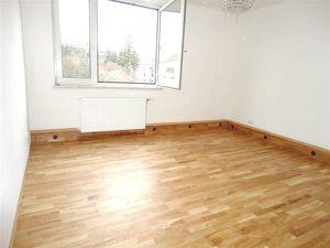 Helle 2-Zimmerwohnung + Küche, modernisiert, zentral begehbar, Linie 49+52, Nähe U4!