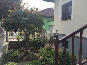 Wunderschönes Familienhaus in ruhiger Lage ++ Garten 870 m² ++ 5 Zimmer ++ mit Kamin und Pool ++ Garage