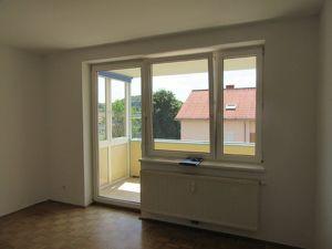 Provisionsfreie 3-Zimmerwohnung in Attnang-Puchheim! Privater Parkplatz und Keller vorhanden! Keine Maklerprovision!