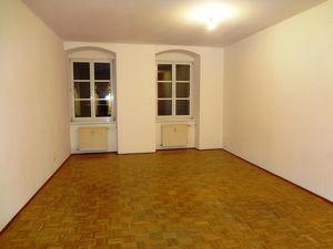 2-Zimmer Wohnung am Stadtplatz!
