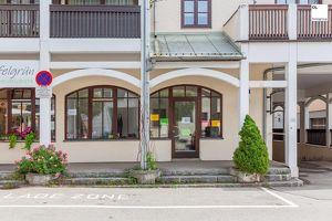 Geschäftslokal / Büro mit großer Fensterfront in sehr guter Lage im Zentrum von Mondsee zu verkaufen