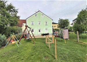 Platz für die Großfamilie - 2 Wohneinheiten und entzückender Garten