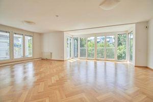Herrschaftliche 4-Zimmer Wohnung mit idealem Grundriss und Terrasse