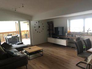 Lichdurchflutet Wohnung mit Panoramablick