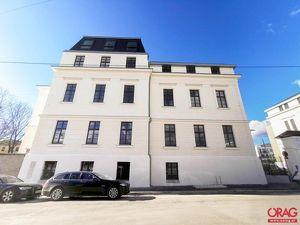 Erstbezug: Schöne 2-Zimmer-Wohnung in historischem Gebäude in 1140 Wien Breitensee zu mieten