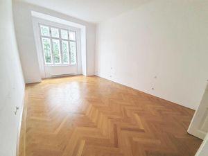 Moderne 2 Zimmer Wohnung in schönem Altbau - Hamerlingpark