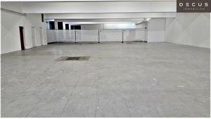 | TOPLAGE IN VÖSENDORF | GESAMTFLÄCHE ca.1.160 m² | ca.800 m² VERKAUFSRAUM | ca. 360 m² LAGERFLÄCHE | BADNER-BAHN ANSCHLUSS