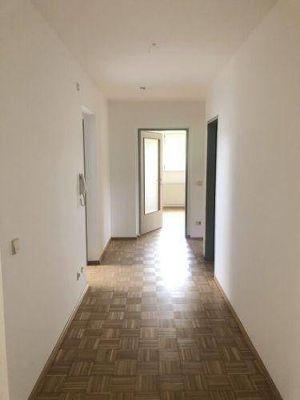 FAMILIENWOHNUNG | Zentrumsnahe & helle 4 Zimmerwohnung in Rosegg | PROVISIONSFREI