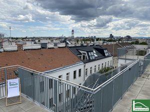Helle Erstbezug Dachgeschosswohnung mit Terrasse und Fernblick nahe Praterstern