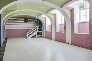 Strassenseitig begehbare Lagerfläche mitten im Achten - 61qm - Souterrain im Biedermeierhaus mit schönem Gewölbe