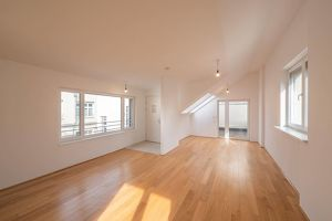 ++NEU++ Fantastische Dachgeschosswohnung, sehr schöner Altbau! schöne Wohnküche! **Videobesichtigung**