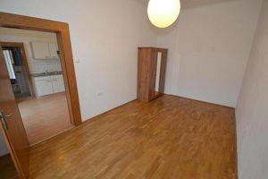 Jakomini - 27m² - 1 Zimmer - extra Küche - Balkon - Studentenhit - wohnbeihilfenfähig