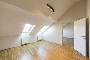 Sehr schöne 3-Zimmer Dachgeschosswohnung im 17. Bezirk UNBEFRISTET zu vermieten