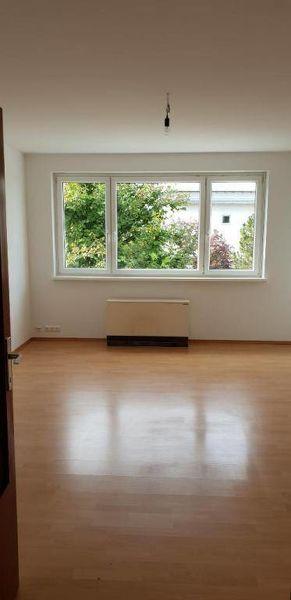 Praktisch geschnittene 3-Zimmer-Wohnung mit Balkon in ländlicher Umgebung verspricht gemütliches Wohnen! Nahe am Zentrum! Provisionsfrei!