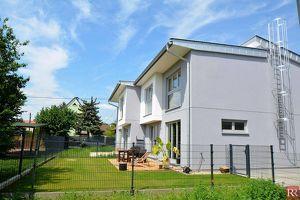 Toplage Klosterneuburg: Exklusive Doppelhaushälfte auf Eigengrund (Provisionsfrei)