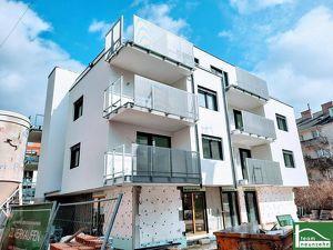 Im ´grünsten´ Bezirks, Sonnige DG-Wohnung mit großer Terrasse! Ruhelage PUR! Neubau und ERSTBEZUG!