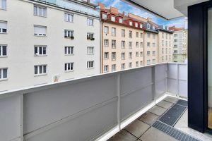 City center: Zwei-Zimmer-Wohnung mit Balkon