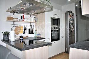 Elegantes Eigenheim mit Loggia und Garage - Top saniert!